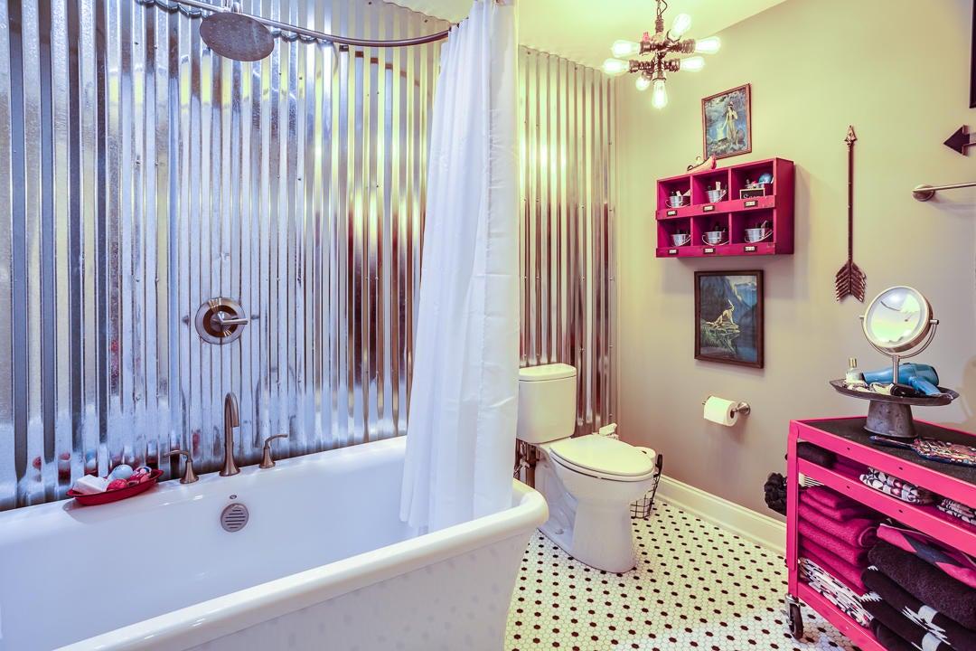Full Bath - Second Level