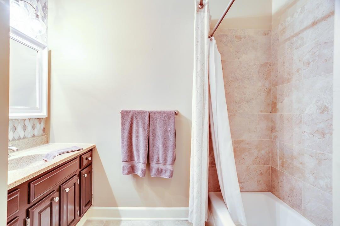 Upper - Bath 2