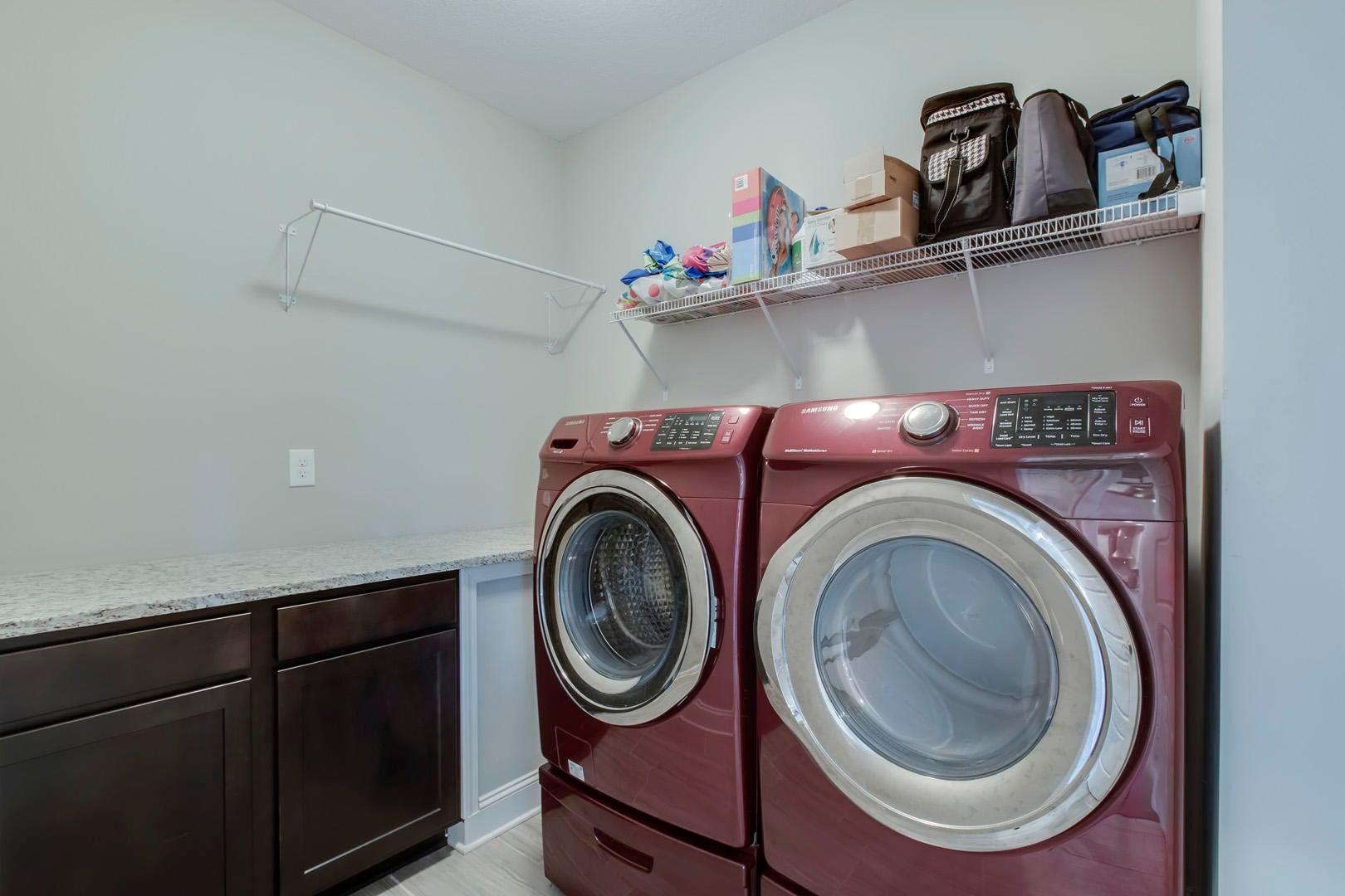 24_BlackberryRidgeBlvd_2408_Laundry