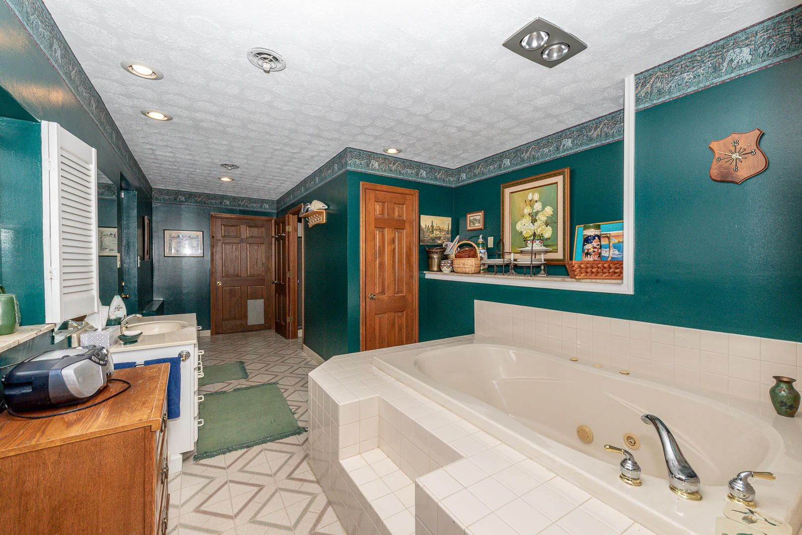 Downstairs bath/mudroom