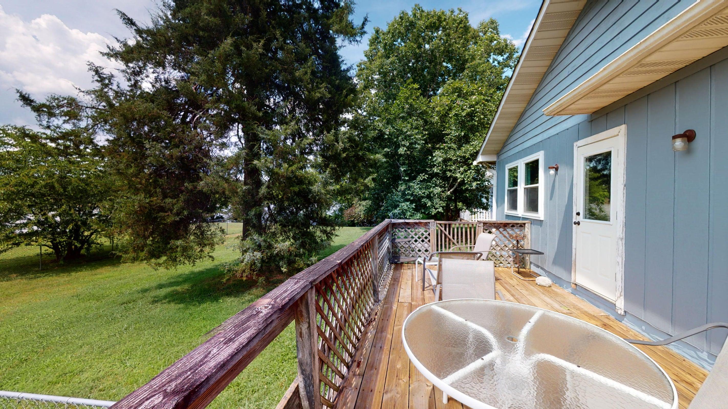 4809-porch-1