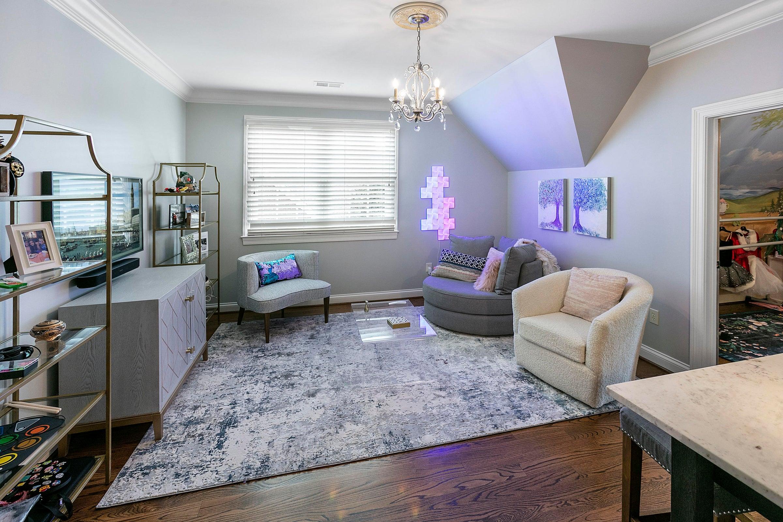 sitting room for bedroom 2