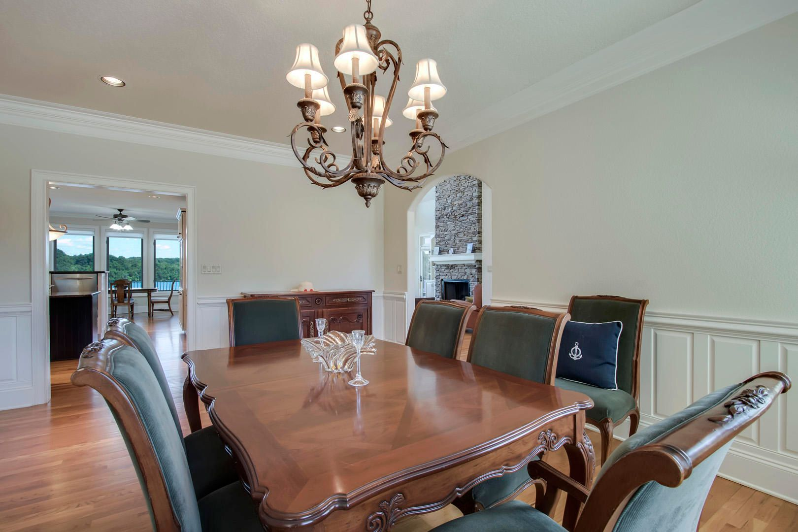 25_RockPointDrive_209_Dining02