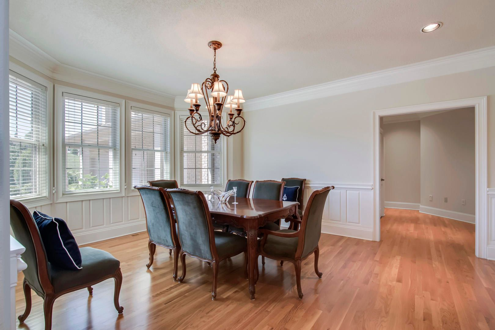 26_RockPointDrive_209_Dining03