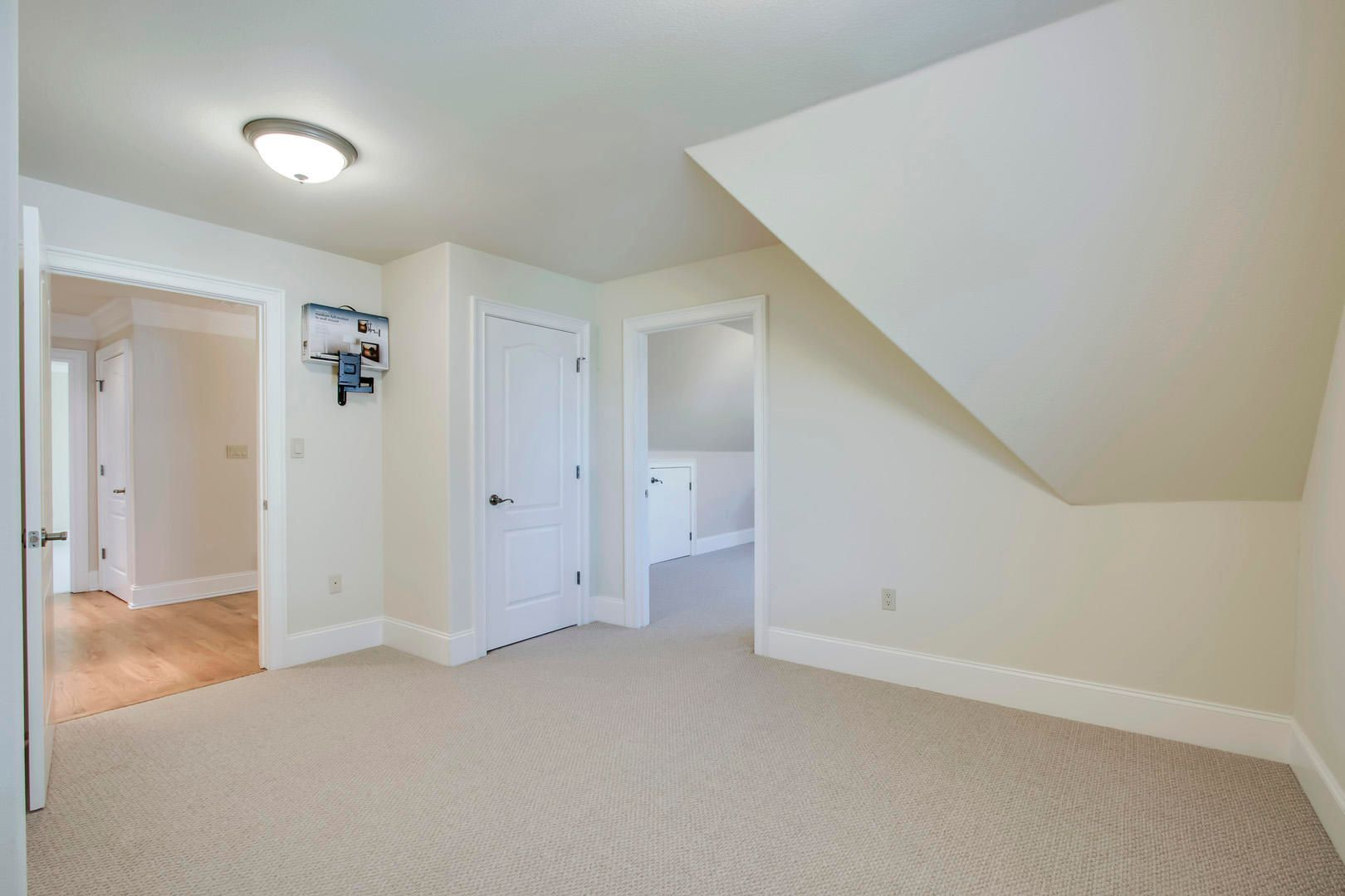 32_RockPointDrive_209_Office02