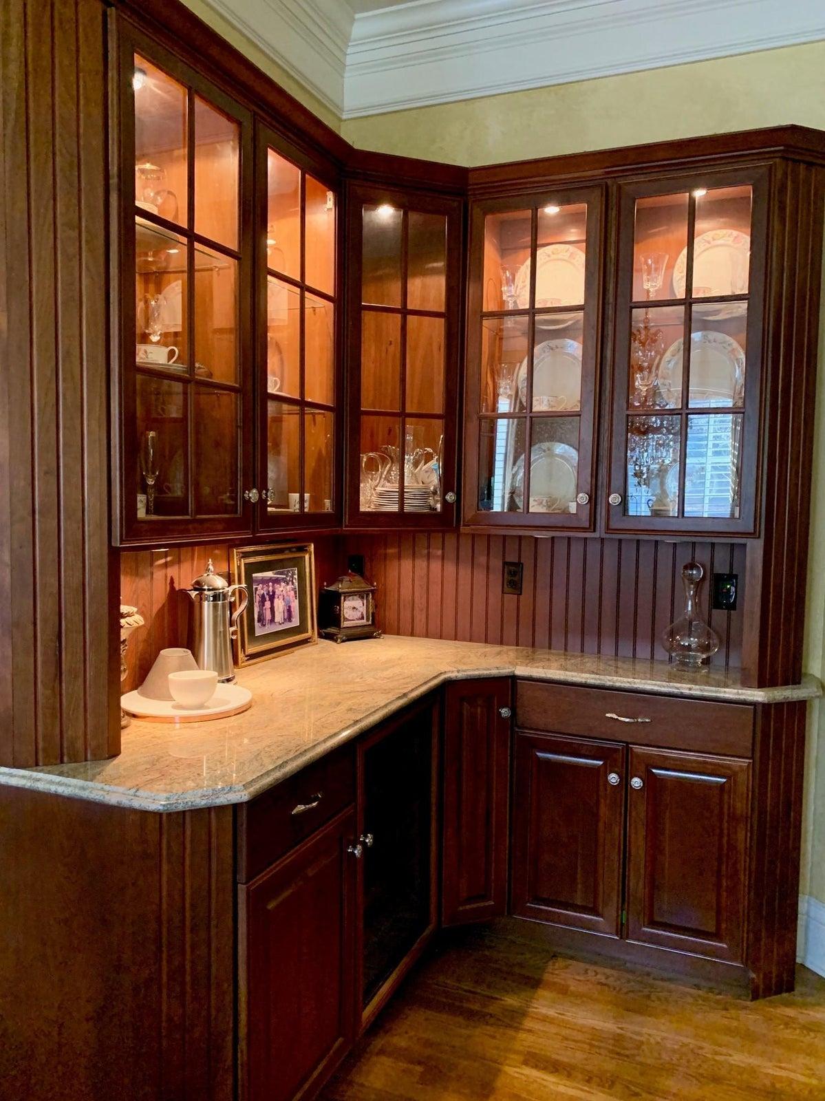 Main level kitchen cabintry