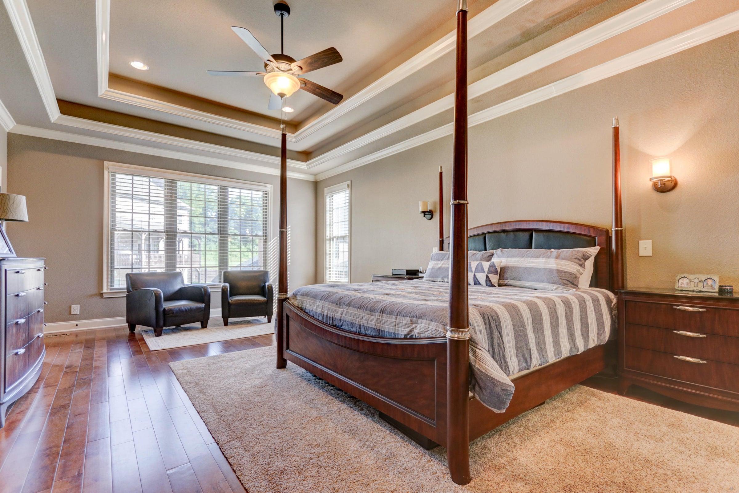 Bedroom 1 - Oversized Master on Main