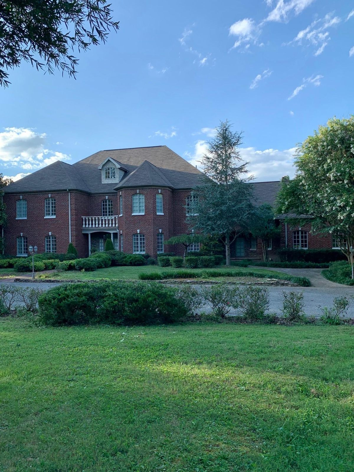 478 Greenes Acres Front Full Profile