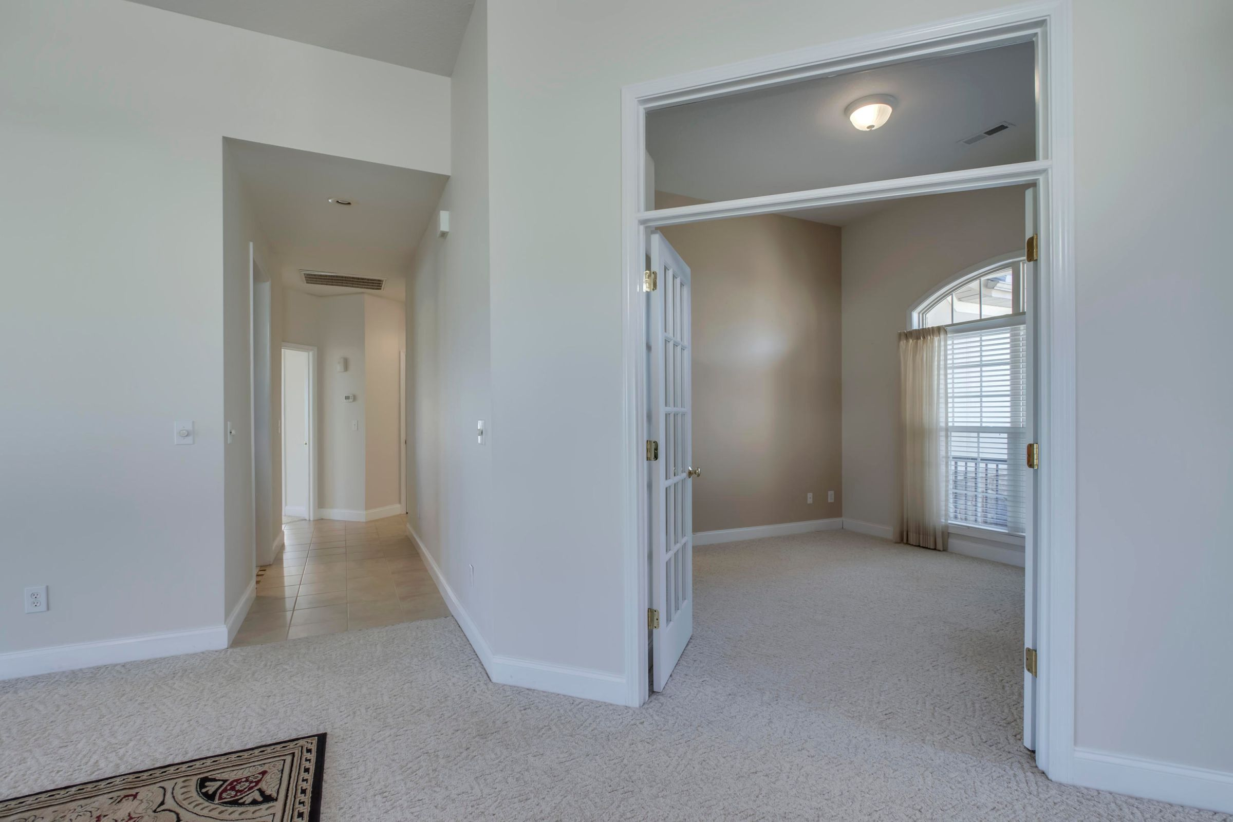 24_HeronCourt_184_FrontHall