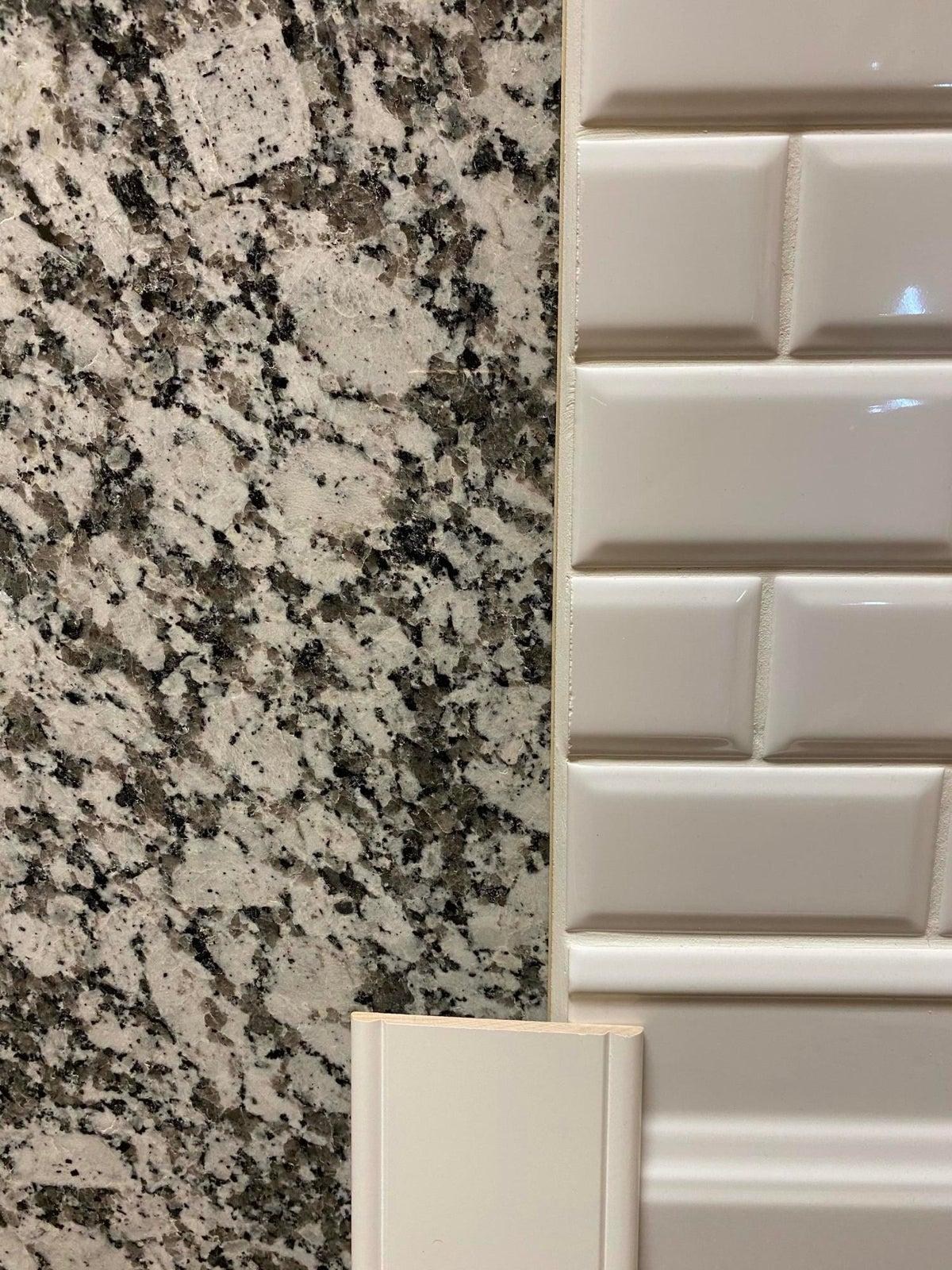 HHALL46 Kitchen Granite, Cabinets, Backs