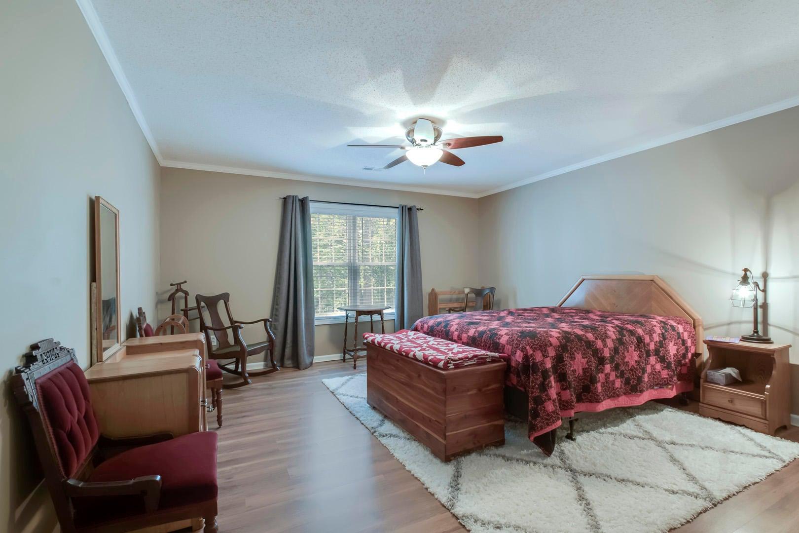 28_111 Vinita Lane_Bedroom3