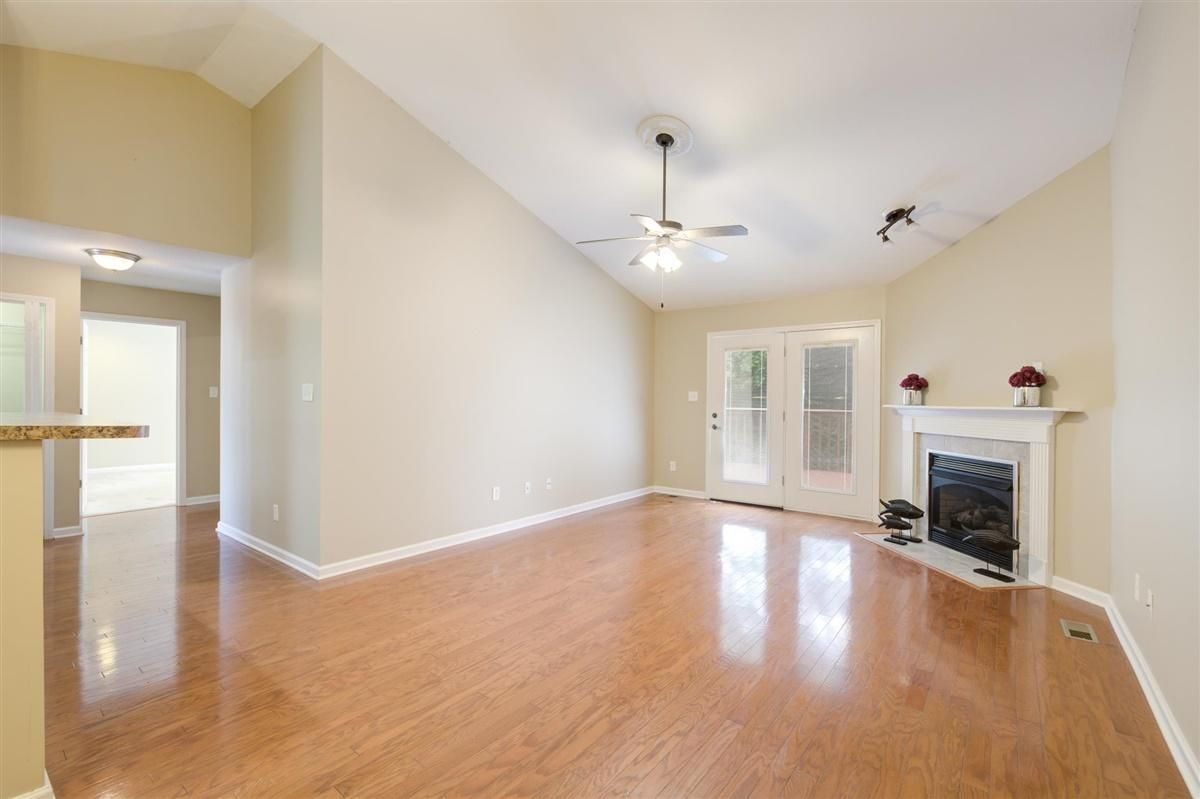12-8832-Carriage-House-Way-Knoxvill