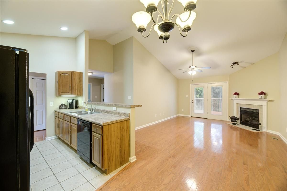 18-8832-Carriage-House-Way-Knoxvill