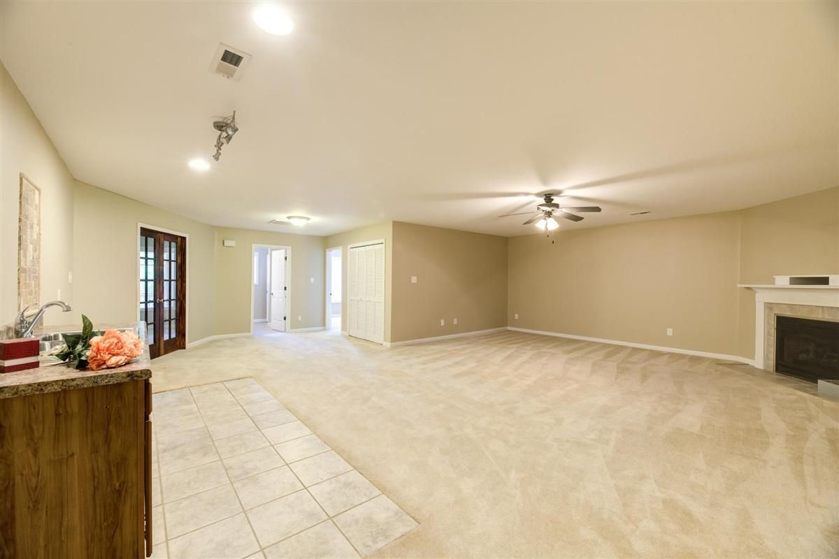 20-8832-Carriage-House-Way-Knoxvill