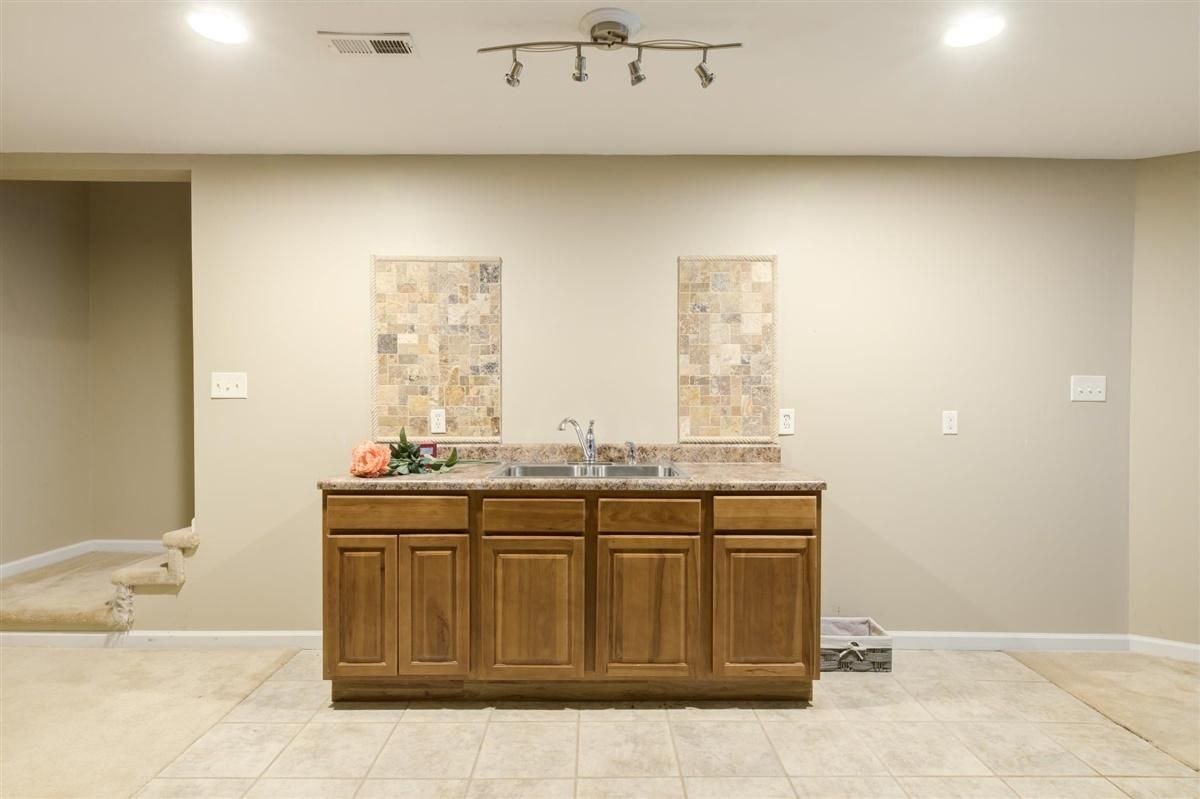22-8832-Carriage-House-Way-Knoxvill