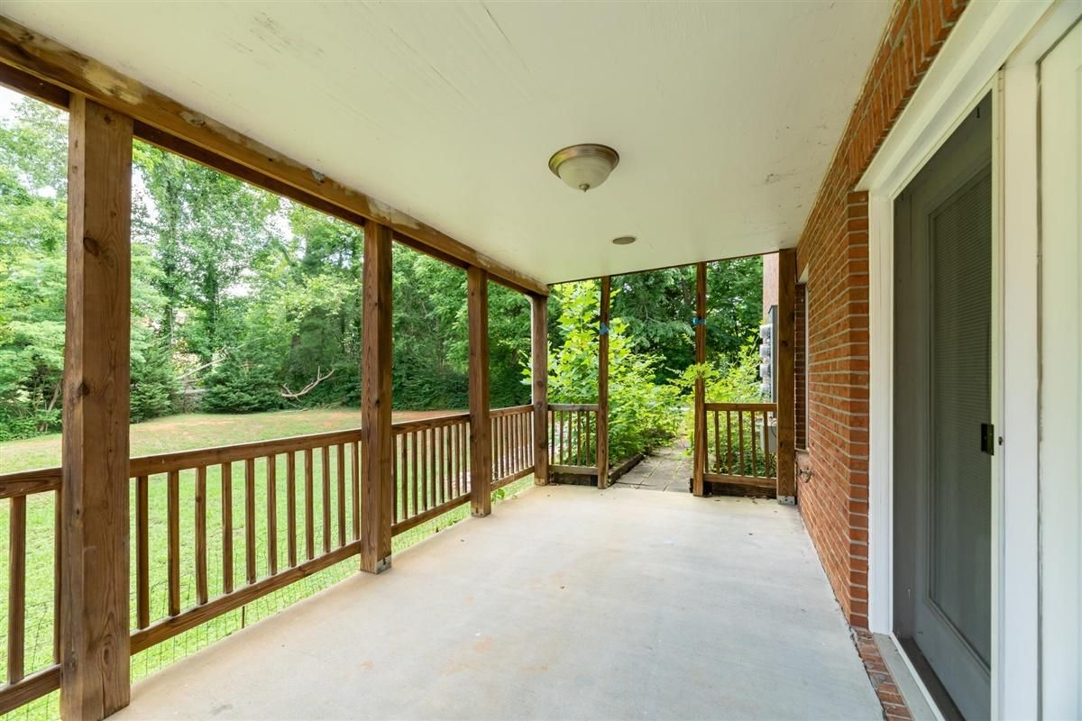 30-8832-Carriage-House-Way-Knoxvill