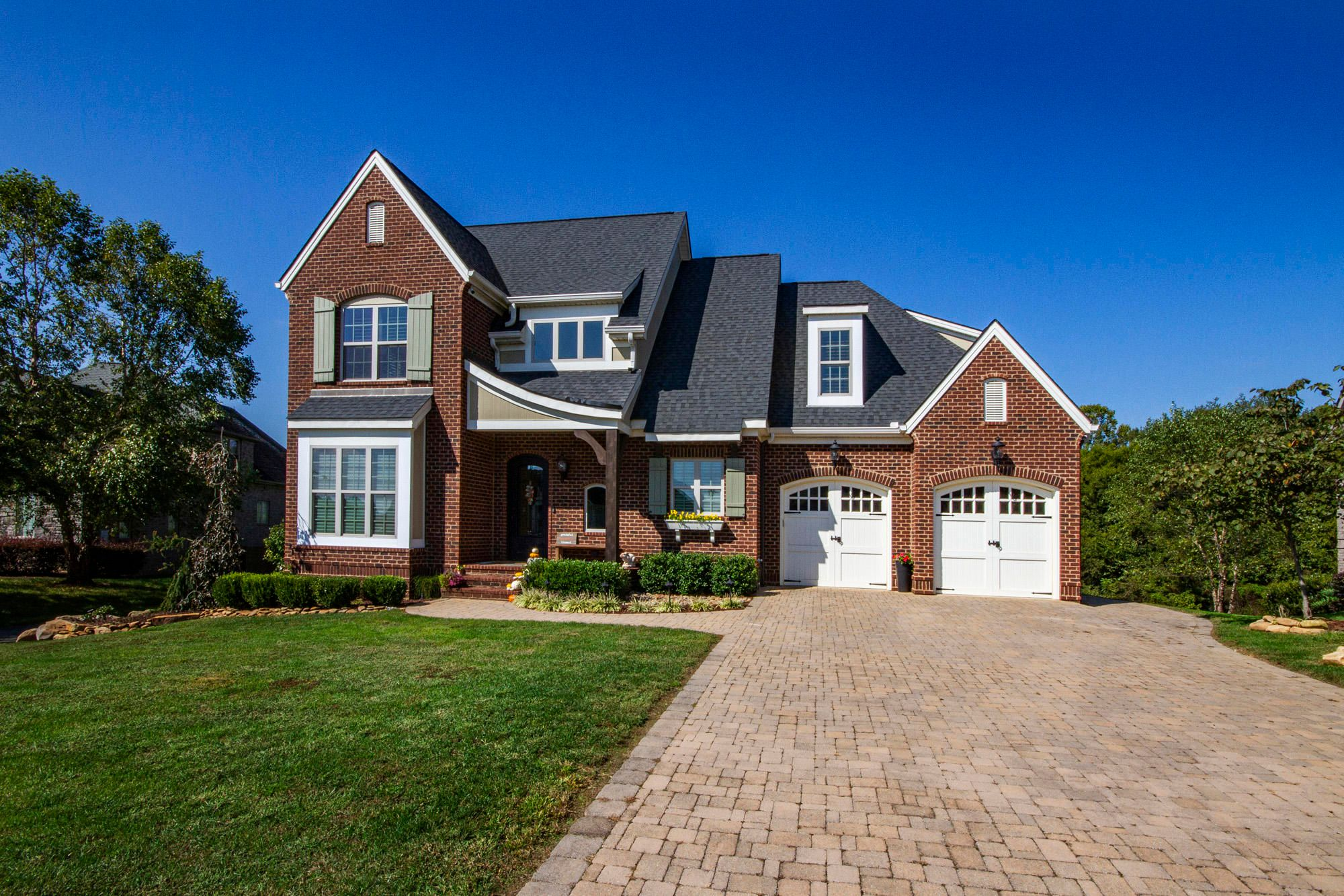 Great curb appeal!