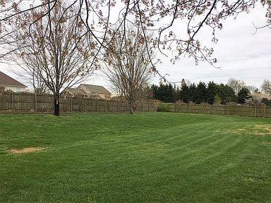 2735 Hirst Backyard