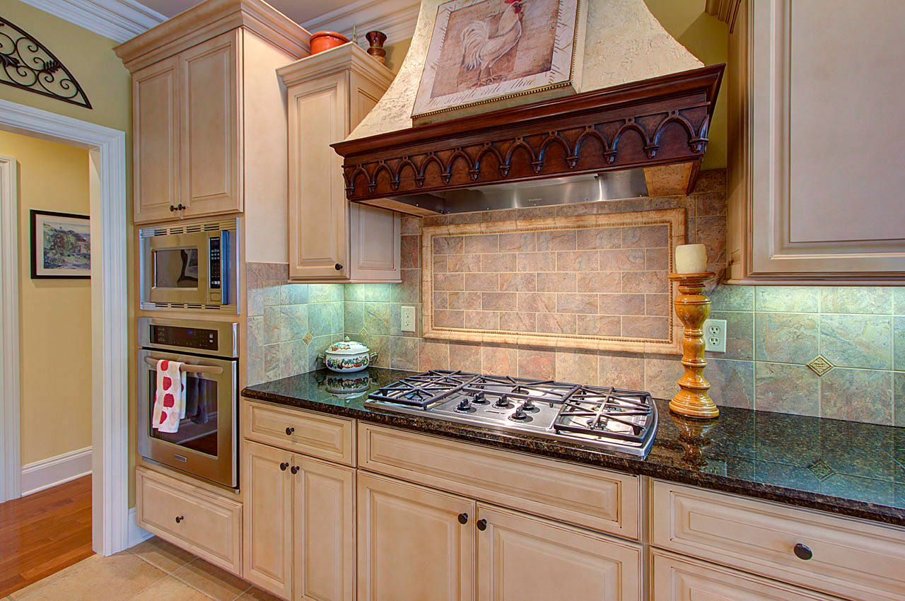Kitchen Gas Stove Top & Ovens