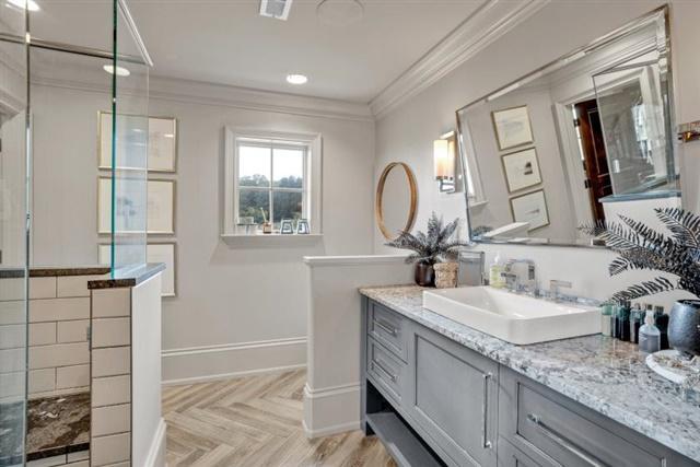 EnSuite Bathroom on Upper Level