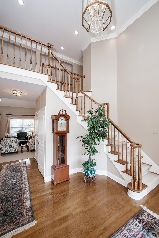 7 vertical foyer