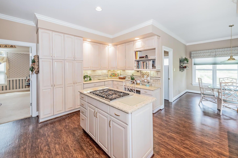 10a Opp angle kitchen