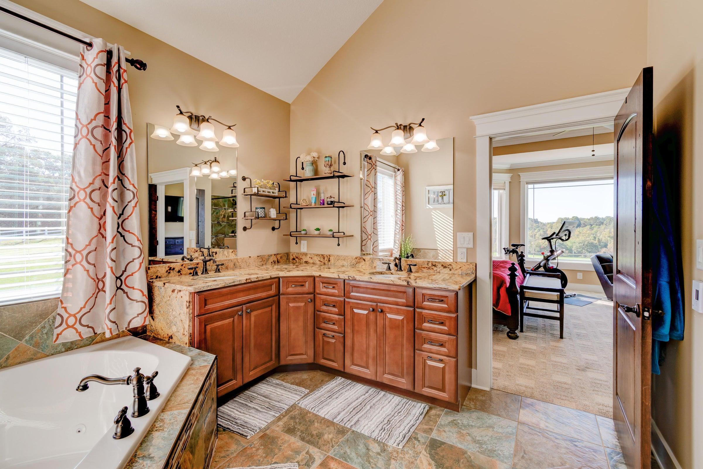 9516 W Emory Rd Master Bath 2