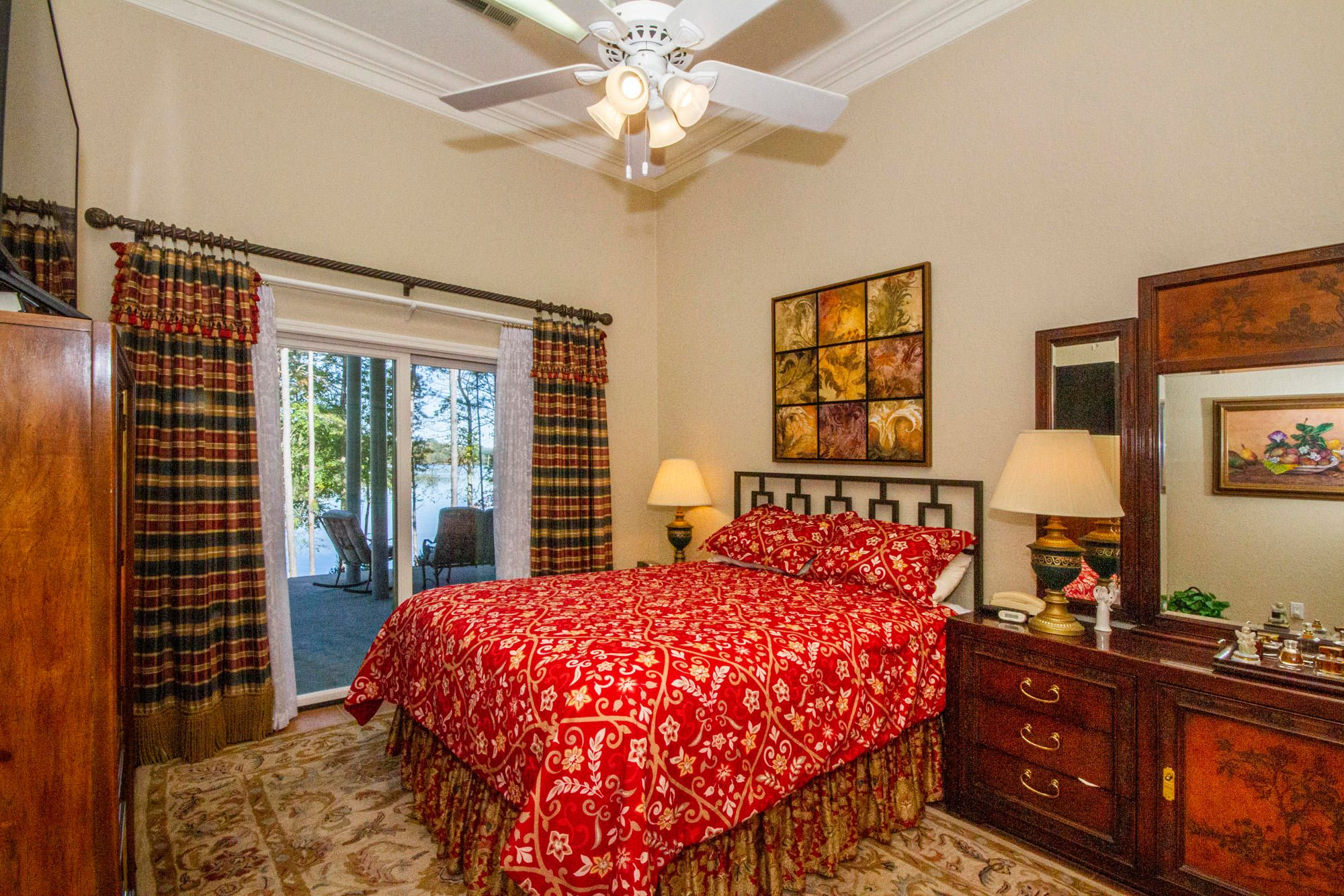 Guest Bedroom with Lake View & Access!