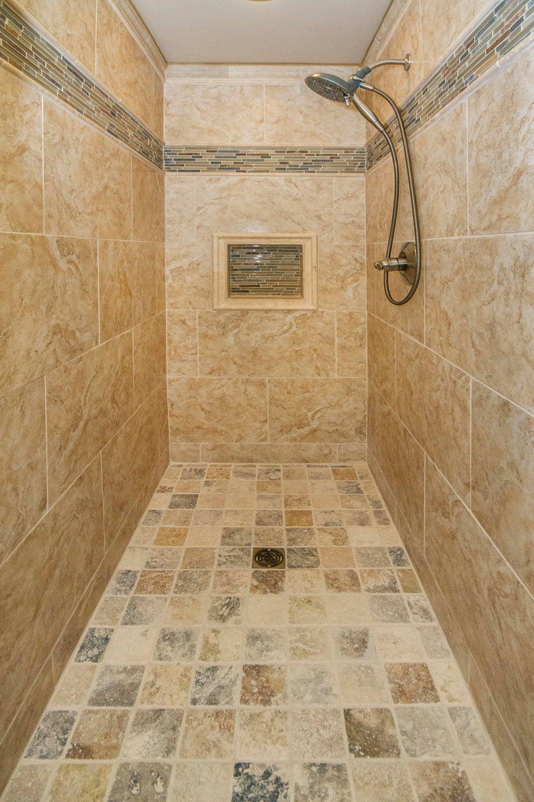 En-suite Bath-Fully Tiled Walk-in Shower