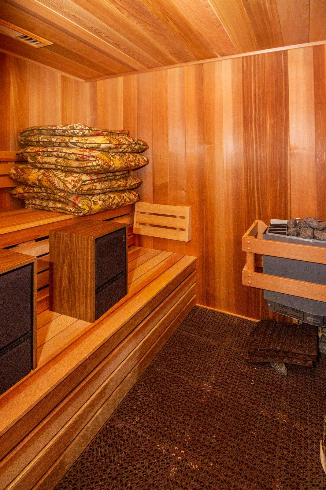 Sauna too!