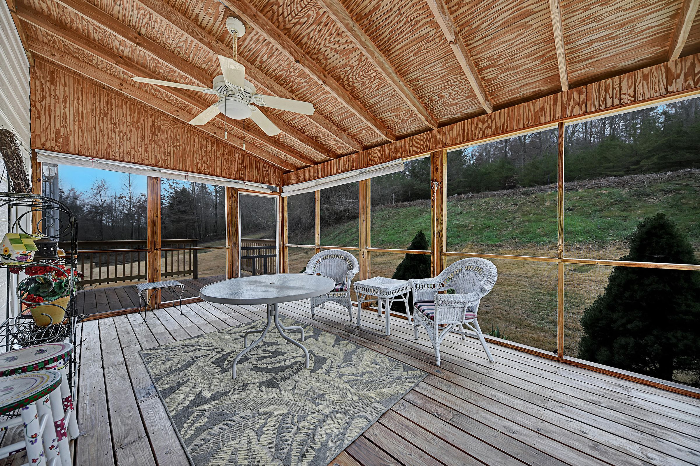 REFURBISHED SCREENED IN PORCH