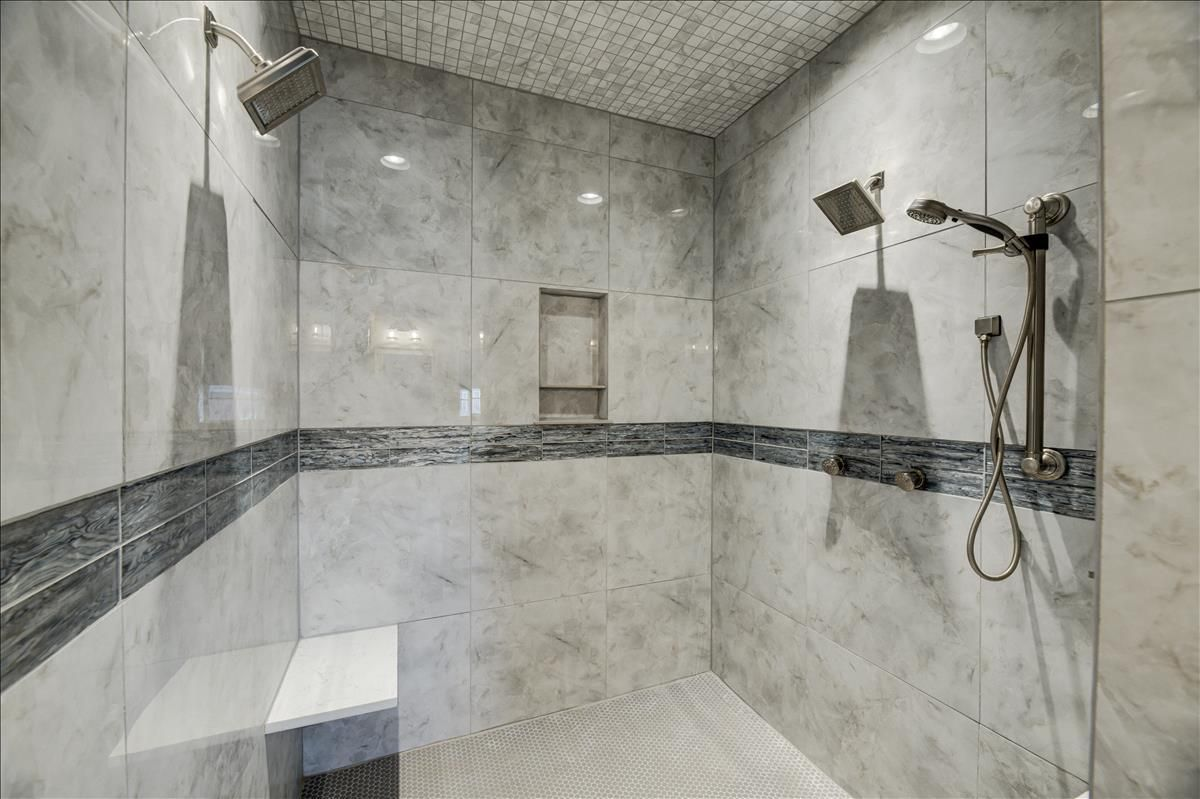 115-Southcove Shower of your dreams