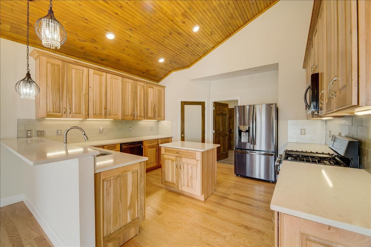 115-Southcove Solid wood cabinets
