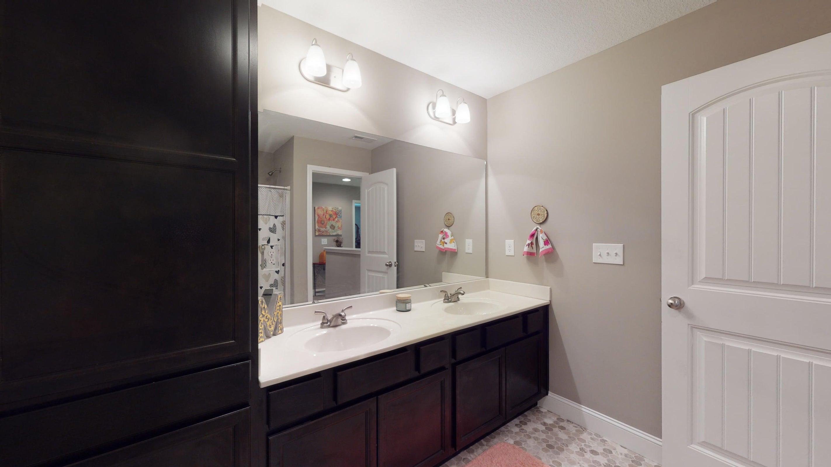 2352-Madeline-lane-Full-Bathroom-11