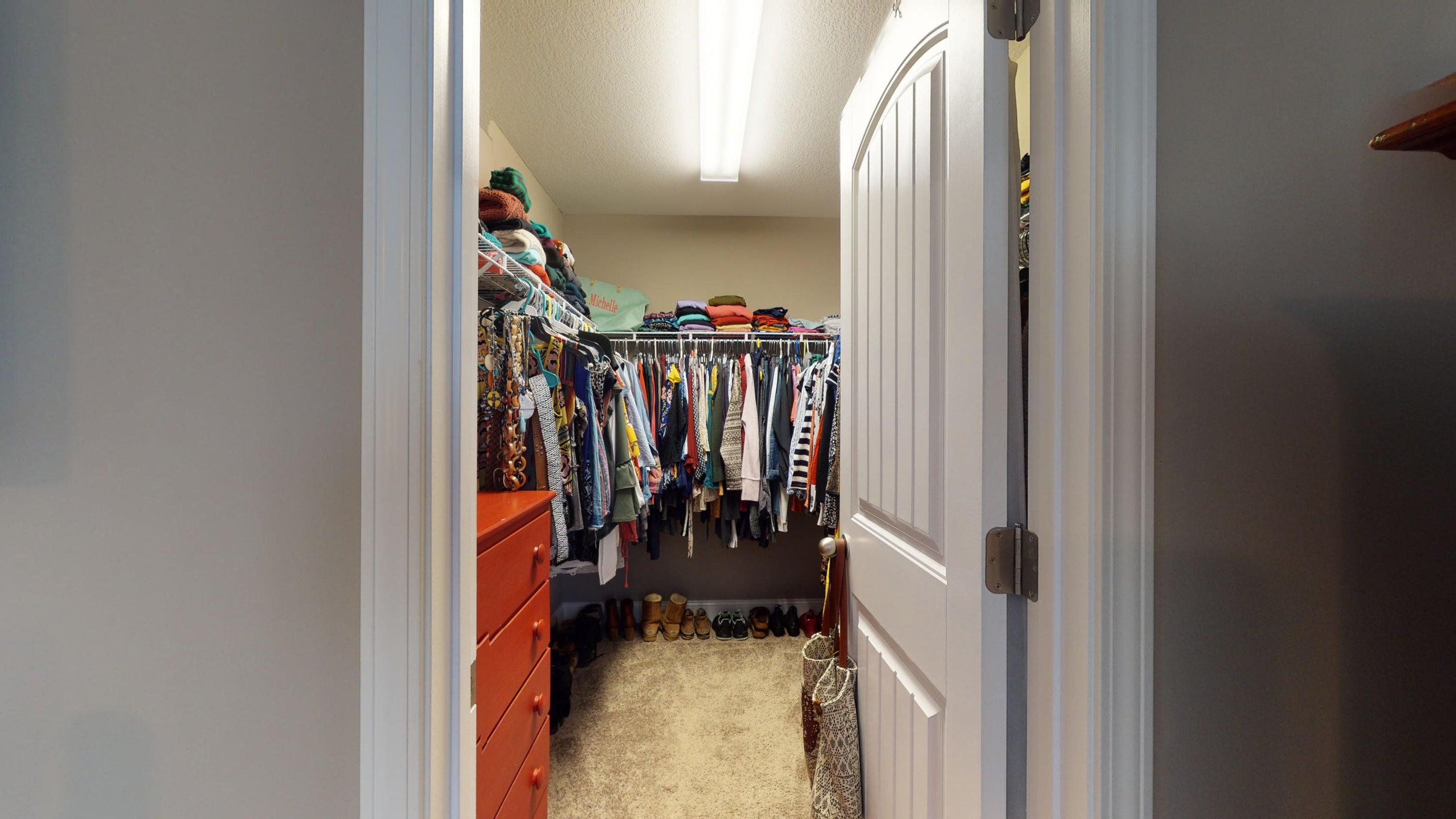 2352-Madeline-lane-Master-Closet
