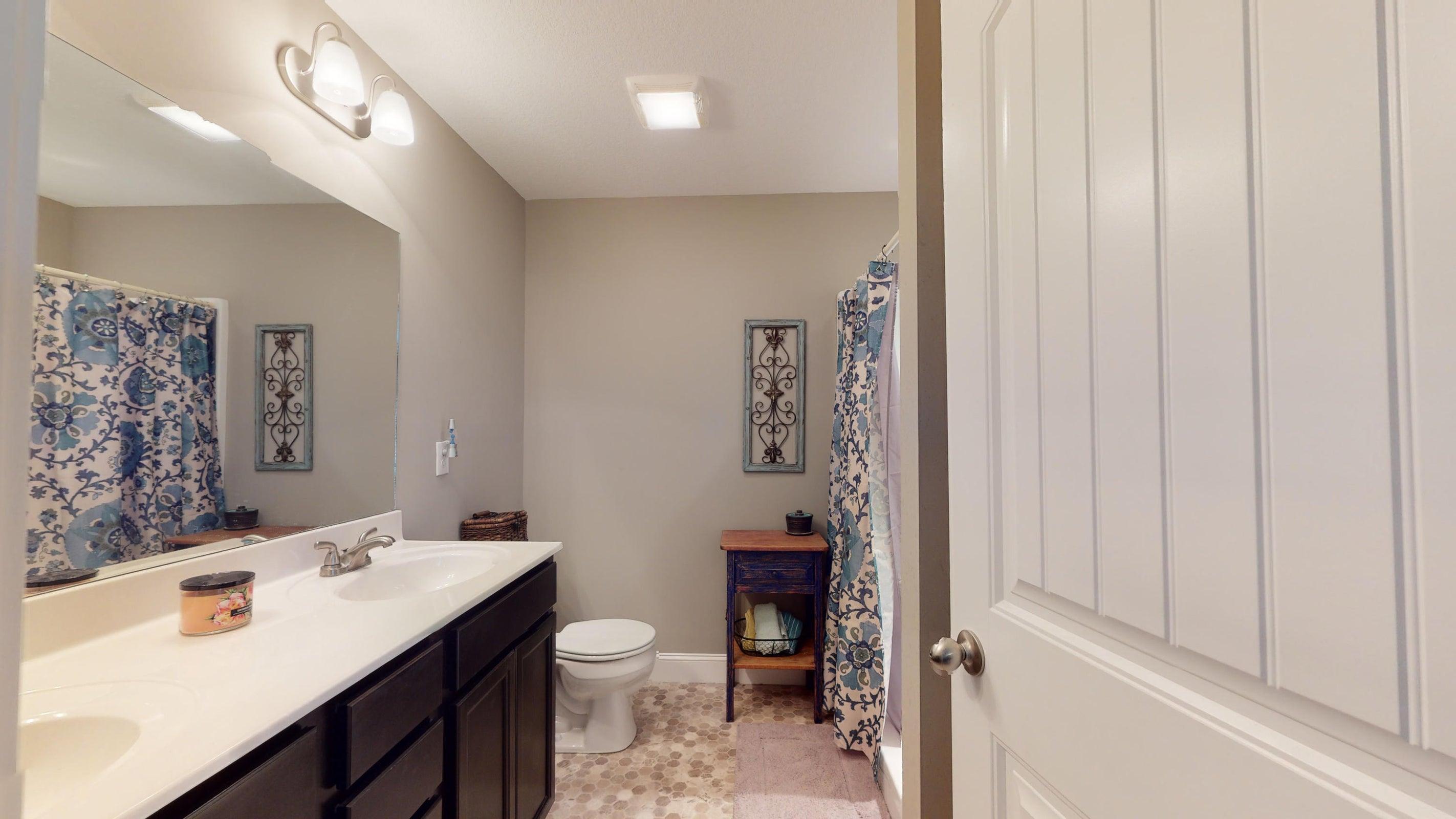 2352-Madeline-lane-Master-Bathroom