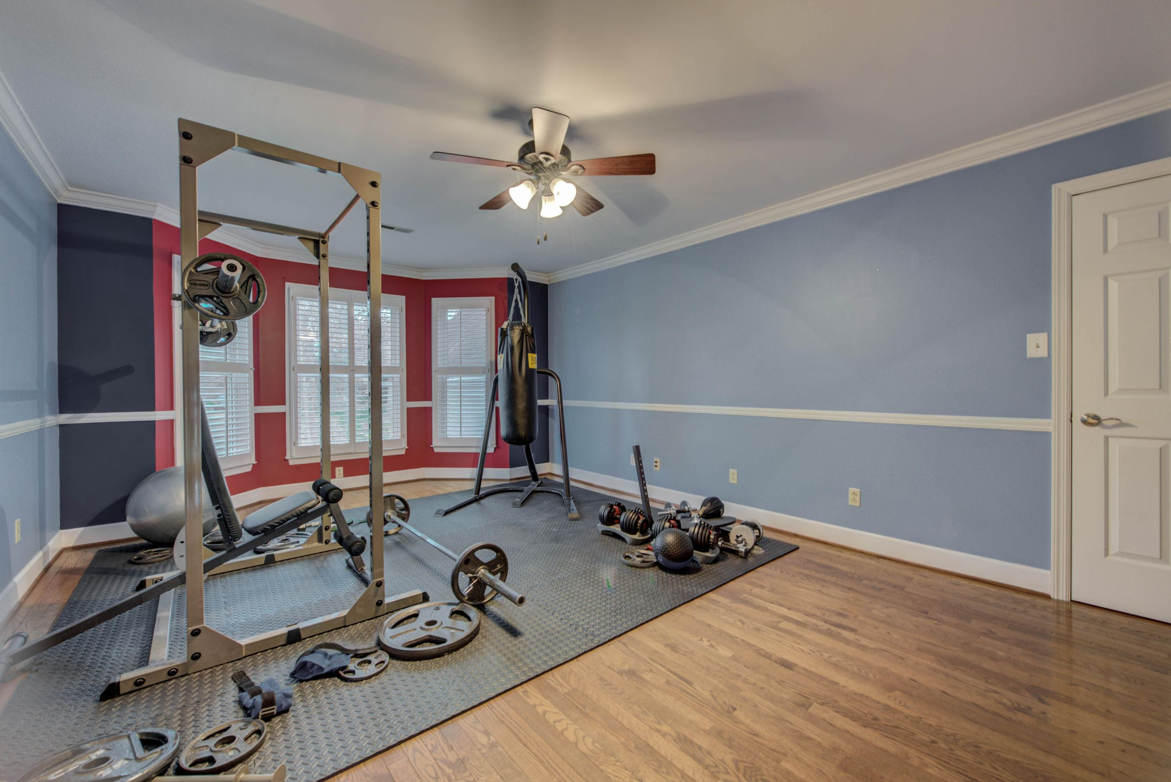 SECONDARY BEDROOM USED AS WORKOUT AREA