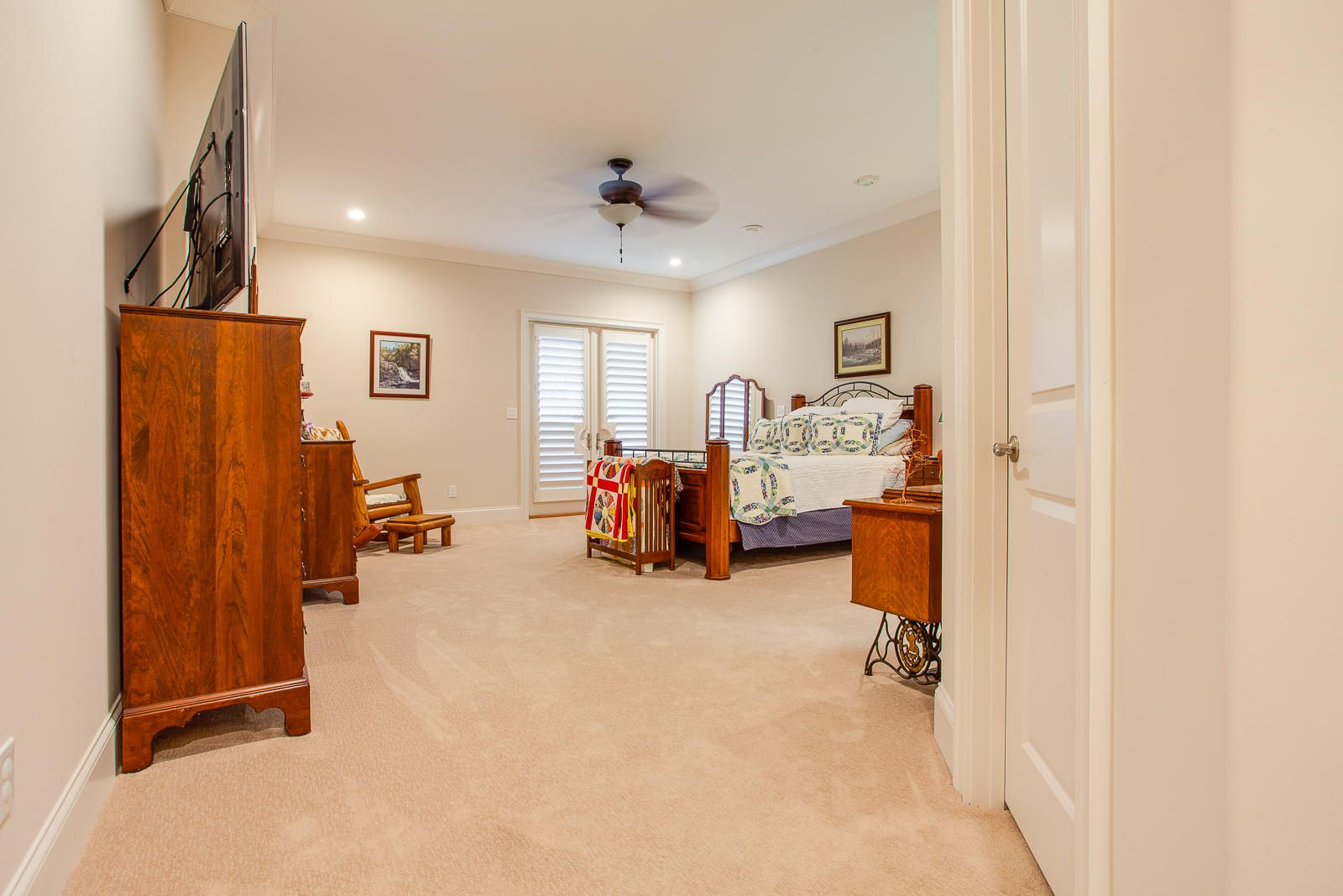 Guest Bedroom_351713