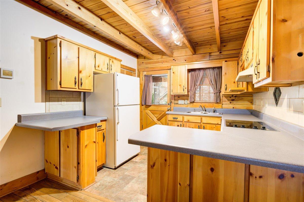 1408 Tomahawk Kitchen
