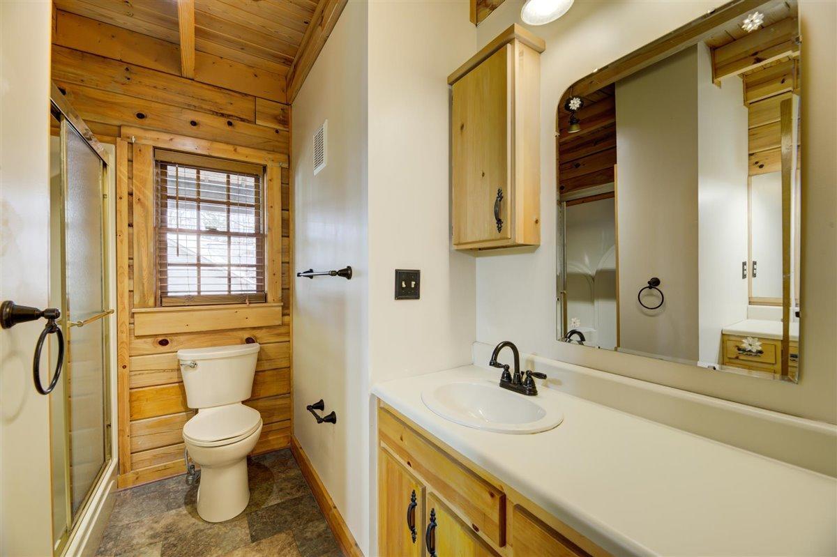 1408 Tomahawk Bath Main Level