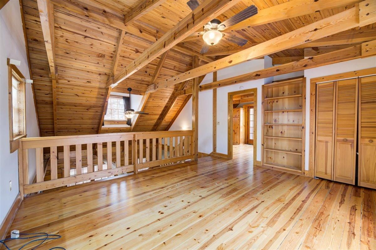 1408 Tomahawk Loft
