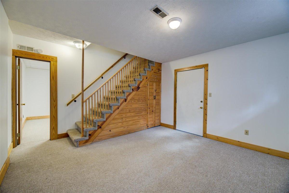 1408 Tomahawk Lower Level Rec Room