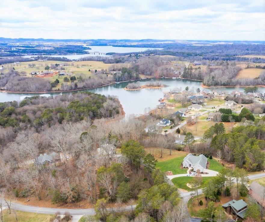 1408 Tomahawk Lake