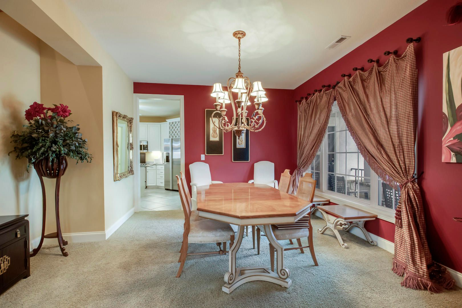 27_GreenfinchDrive_104_Dining02