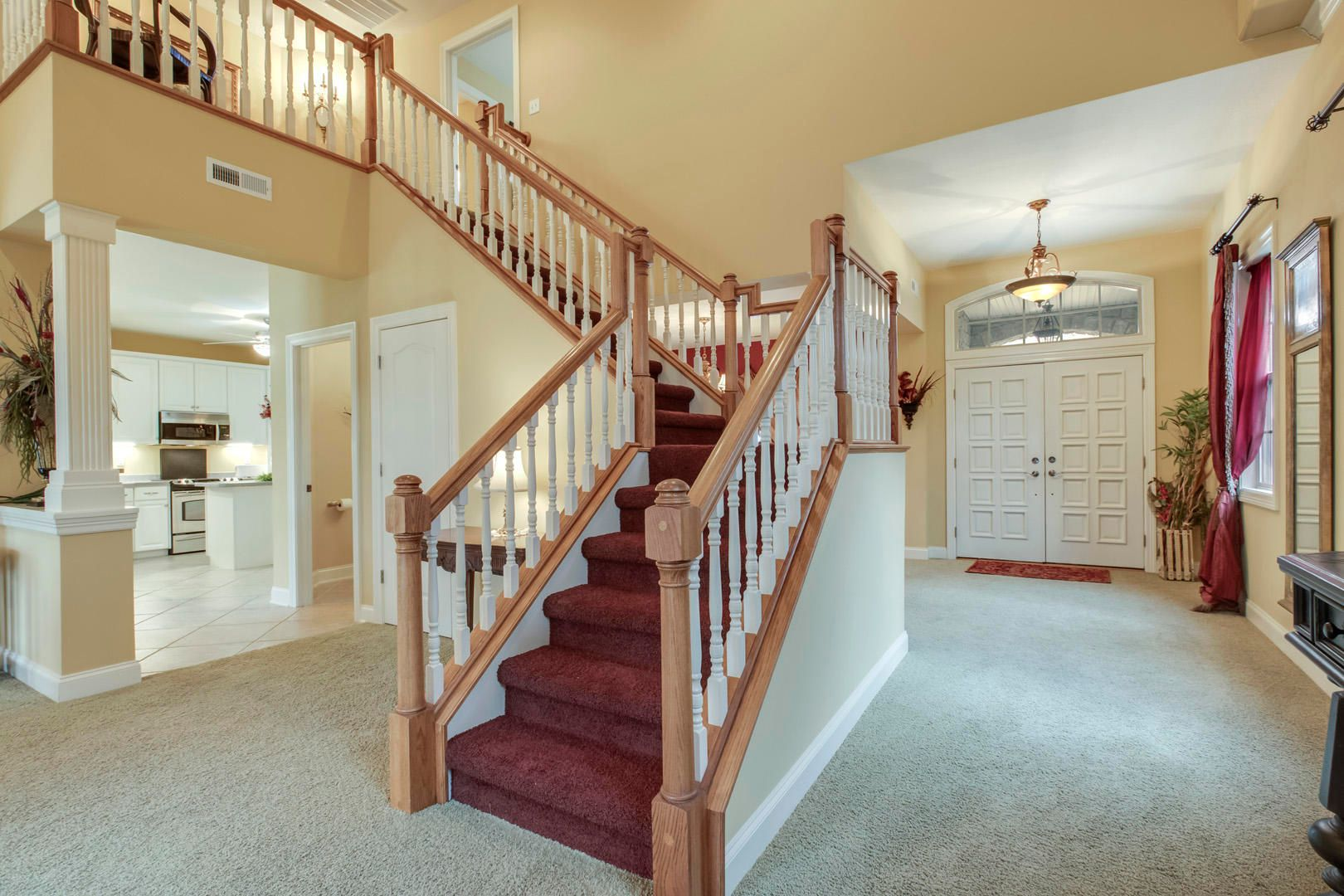 30_GreenfinchDrive_104_StairsUp-MainEntr