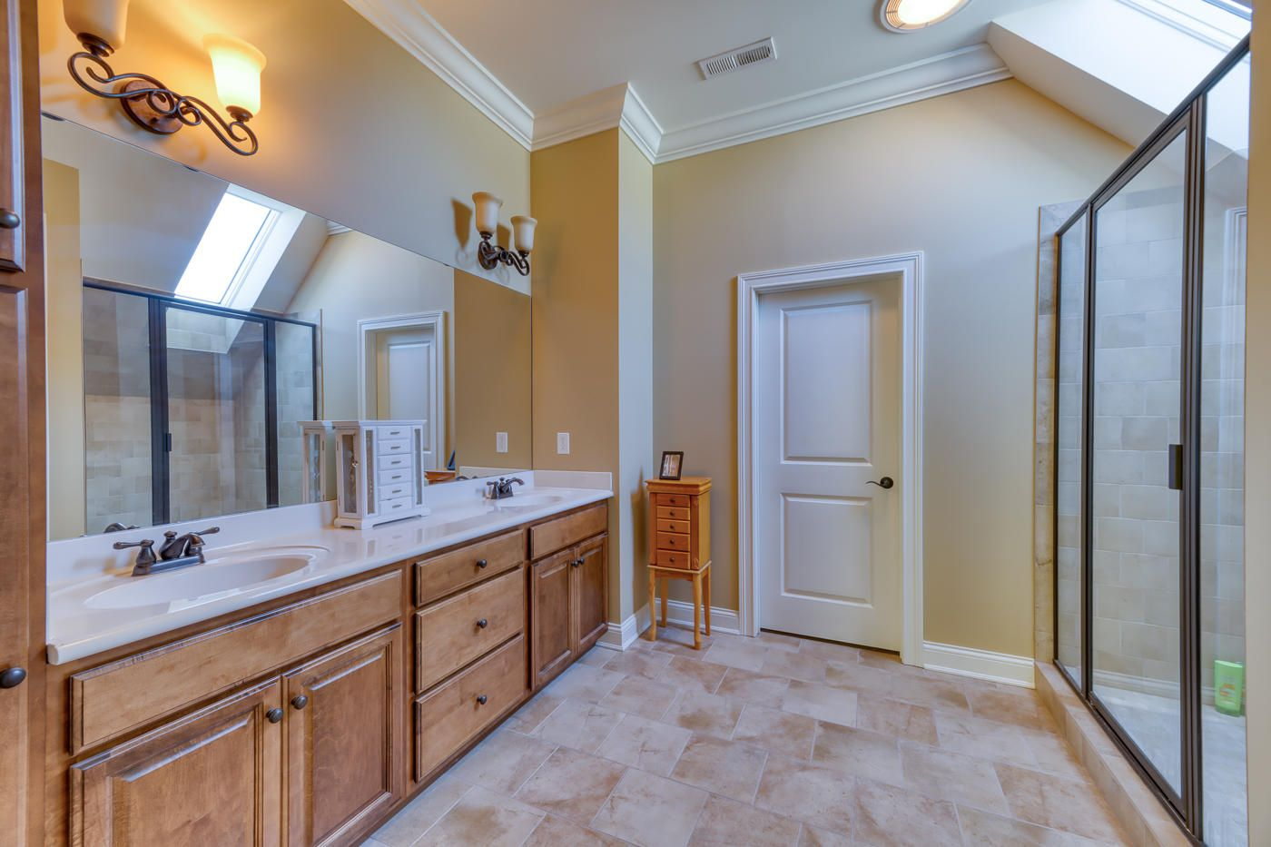 Upstairs Bedroom #1 Bathroom and Closet