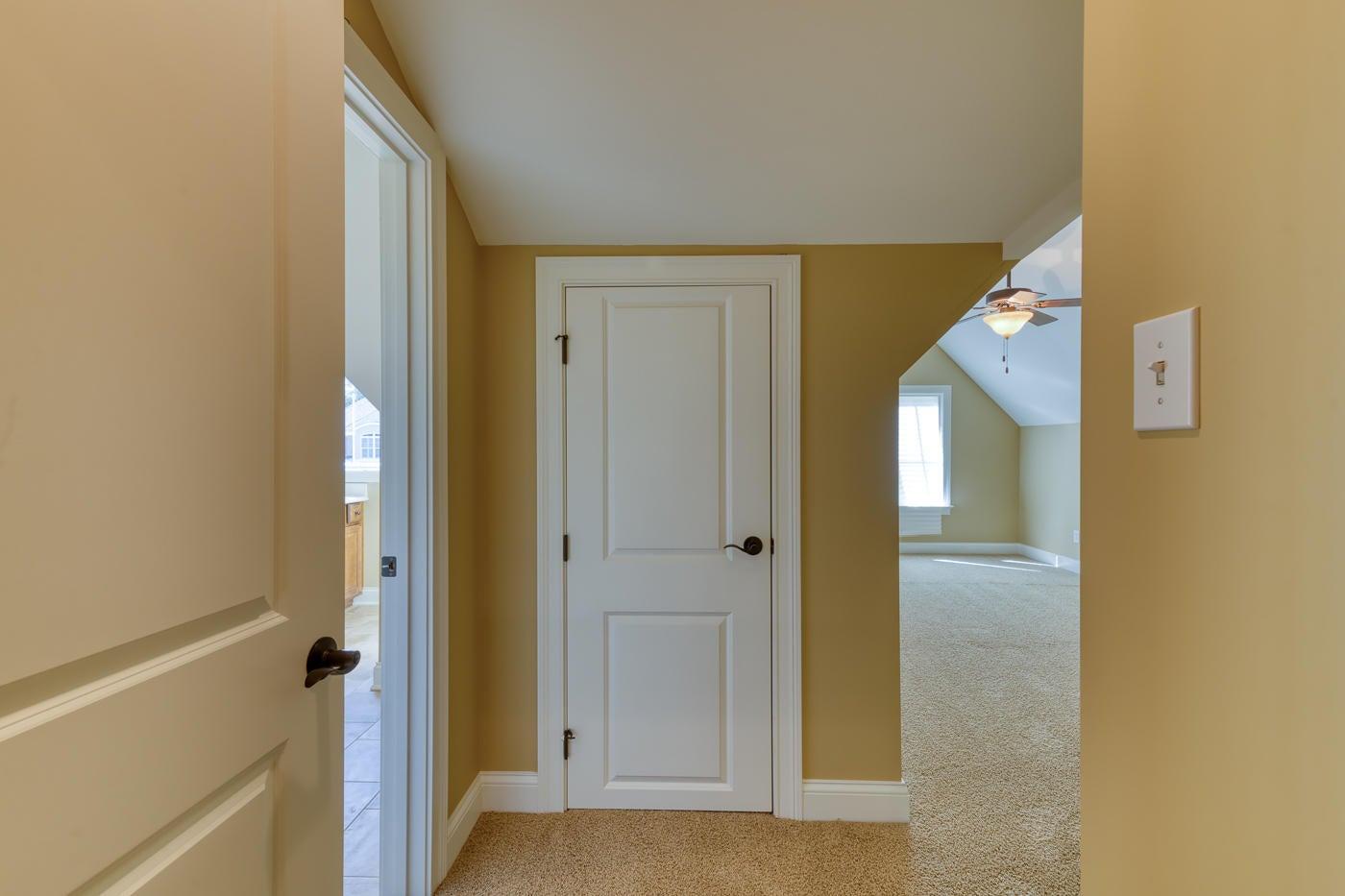 Upstairs Storage and Hall to Bonus