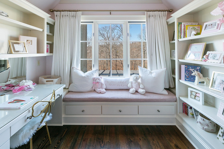 6th Bedroom Sitting Area
