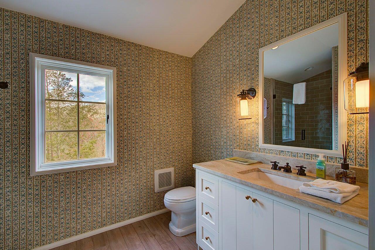 Bath (bedroom #2)