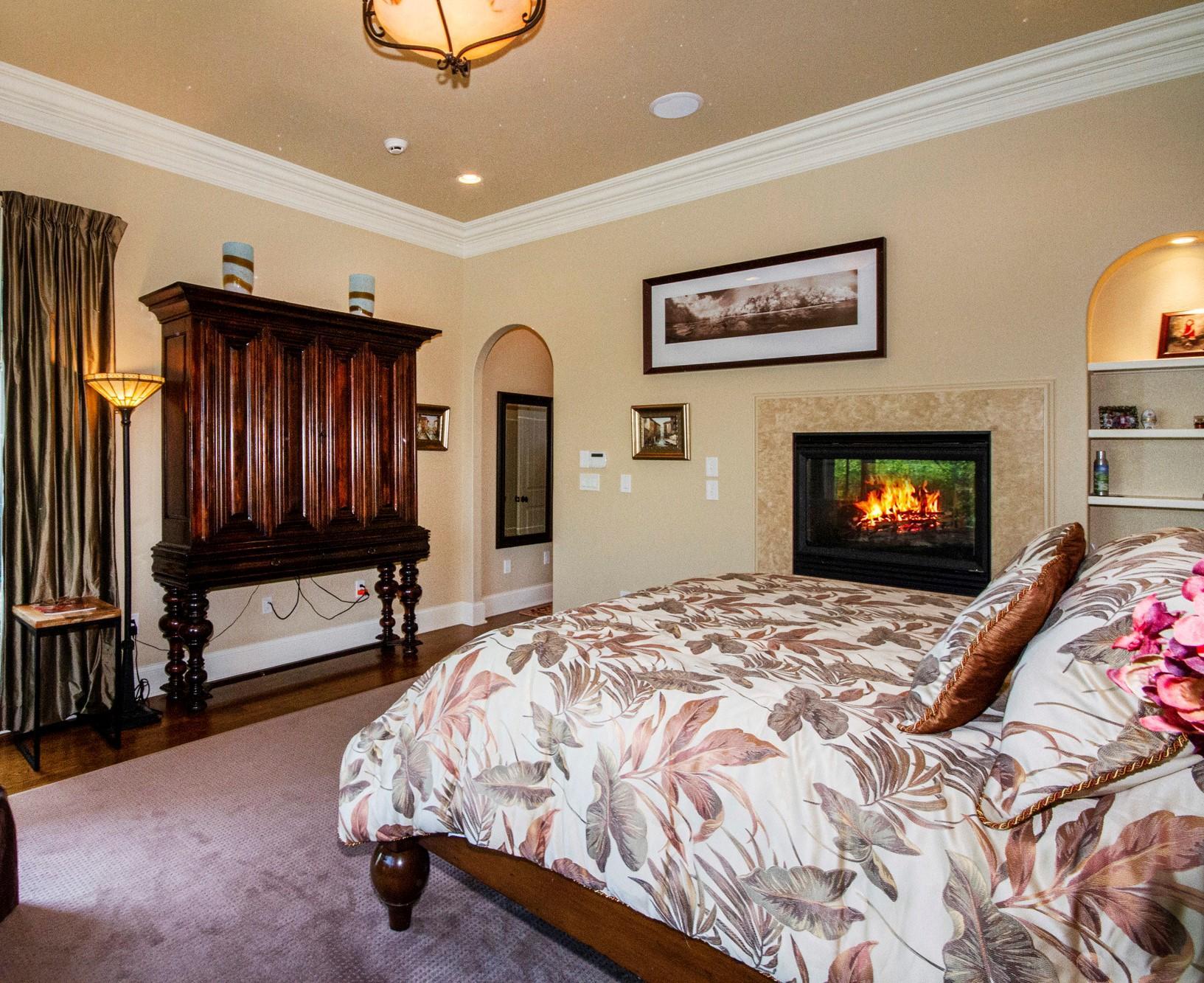 Dual-Sided Fireplace!